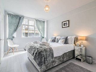 Gorgeous and Stylish 1BR flat in Shepherd's Bush