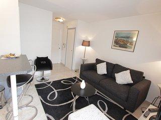 Mini 2 pièces moderne situé en plein centre de Cannes