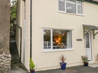 WELL COTTAGE, dog-friendly, Levens