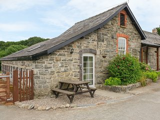 ROWAN COTTAGE all ground floor, open plan, WiFi, pet-friendly, in Rhayader Ref 9