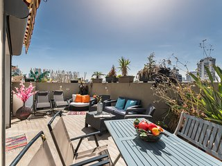 Ben yeuda 21 . Magical Terrace - Best Location in TLV - 2Bedrooms