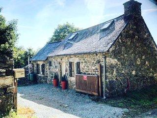 Maison typique bretonne en campagne