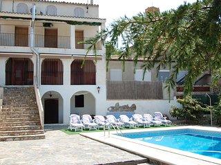 Casa de Pueblo Zona vitivinícola El Priorat, piscina, barbacoa. Playa a 47Km
