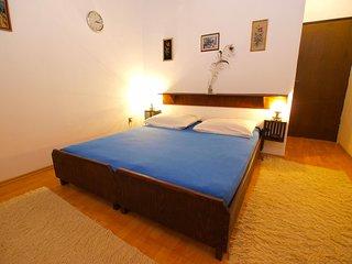 Apartment 950