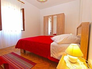 Apartment 9850