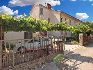Apartment 1633