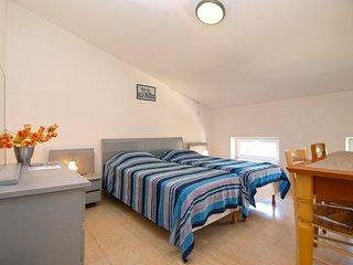 Apartment 1672