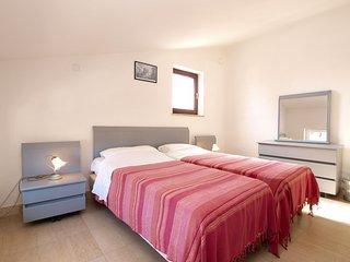 Apartment 1673