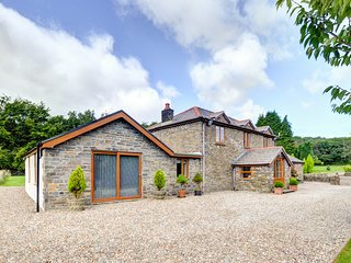 Bwthyn Felgaws: A spacious, high quality cottage near Swansea WAY153