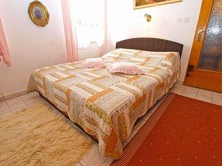 Apartment 11796