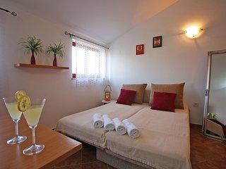 Apartment 12468