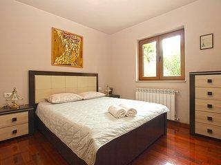 Apartment 17541