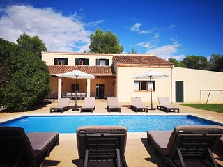 Spacious Mallorcan Finca with Land, Private Pool, Wifi - Perfect for Families!