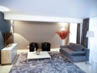 Elegante mobl. 5 Zimmer Atriumwohnung