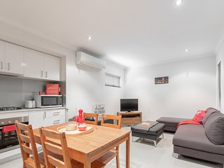 Conveniently Located Luxury Home - 10 Mins from CBD