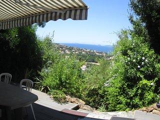 Magnifique terrasse vue sur mer, quartier residentiel, piscine a 15mm a pied