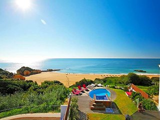 Albufeira Villa Sleeps 10 with Pool Air Con and WiFi - 5433484
