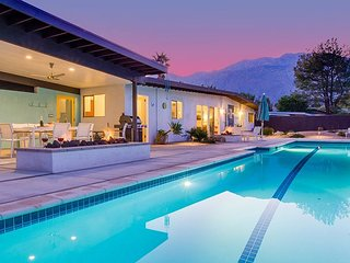 Lap of Luxury- Fabulous Remodeled Mid Mod Pool Home