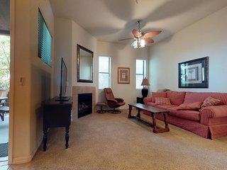 Cozy condo w/ shared pool & hot tub - near local entertainment, golf and hiking