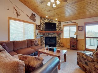 NEW LISTING! Western style cabin w/free WiFi, fireplace, cable & near ski resort