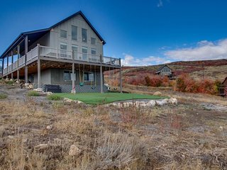 NEW LISTING! Lakeview vacation home w/shared pool and hot tub & panoramic views