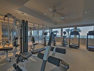Oceanfront Daytona Beach Condo w/ View+Pool Access