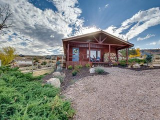 NEW LISTING! Cozy and secluded cabin overlooking beautiful Bear Lake w/woodstove