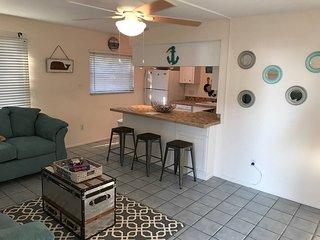 Cute 2Bedroom/ 1Bath Cozy Cottage Steps from Siesta Key Beach!-Barefoot Bungalow