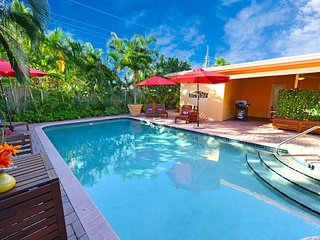 QUIET★Huge RELAXING★Private★Pool★4Bd★5min to Beach
