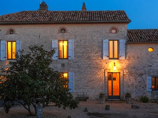 Exclusive rental, 5 Star Manor House in Dordogne-Lot. Space, privacy, comfort