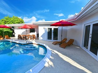 LUX●BIG●Heated Pool●Beach 4min●4 BR●PARADISE!★★★★★
