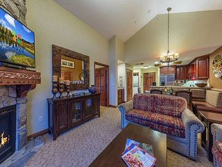 Westgate Resort Penthouse Condo w/ Full Kitchen -by Ovation Vacation Rentals