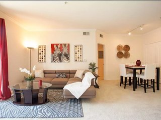 VIP Downtown Los Angeles 6 BEDs Victorian Penthouse FREE Parking + WiFi + Pool