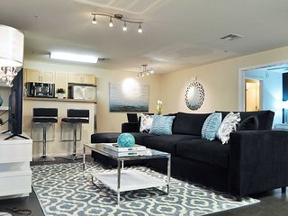 VIP Hollywood Los Angeles 5 BEDs Walk of Fame #1 Suite FREE Parking + WiFi + Poo