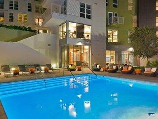 Hollywood Celebrity Studio Pool Suite