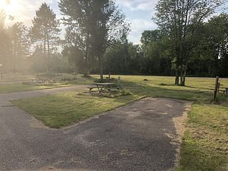 Trails Inn Quadna Mountain-Motel & RV Campground Room 217, vacation rental in Deer River
