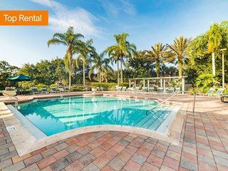 Check Into a Beautiful Resort w/ Deluxe Room+Premium Living Space+Nearby Disney