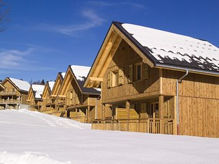 Rustic Chalet Apartment | Ski Through Beautiful Pine Forest