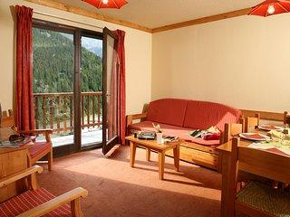 Cozy Retreat for 8 in France | Ski in Valfrejus!