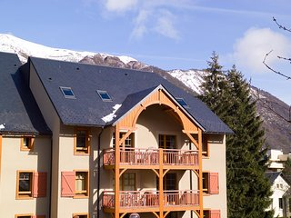 Ski in France | Bright + Cozy Apartment in Beautiful St. Lary