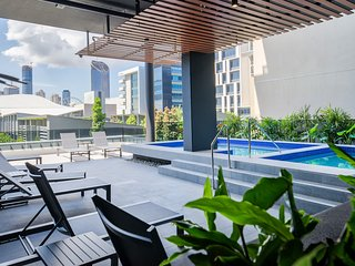 Luxury Amenities in an Entertainment Hub