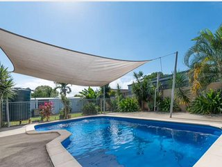 Large Qld 6 bedroom home with pool
