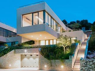 Soul Sister Luna - Exceptional Design Villas