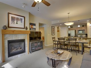 Ski In/Out Resort Village #3133 - FREE Activities/Great Views/Pool Sized Hot Tub