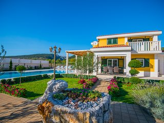 VILLA FOR RELAXATION WITH LUXURY POOL MAKARSKA