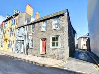 24 Bridge Street: In the heart of the popular seaside town of Aberystwyth WAN420