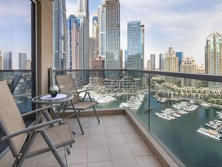 Gorgeous and Spacious 3BR with FULL Marina Views!