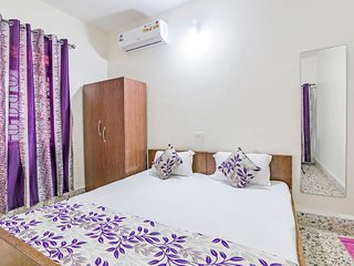 Well-appointed room for backpackers, close to Calangute Beach