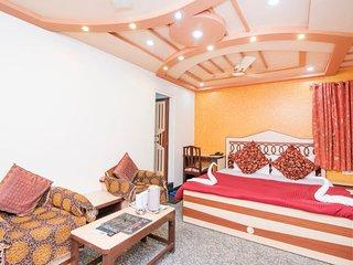 Room for three, near City Palace
