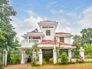 Well-appointed 4-BR villa, near Candolim Beach